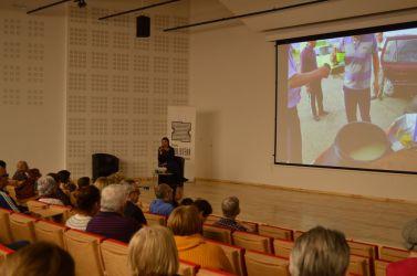 Zdjęcie ze spotkania z podróżniczką Sonią Bałą w Zagłębiowskiej Mediatece
